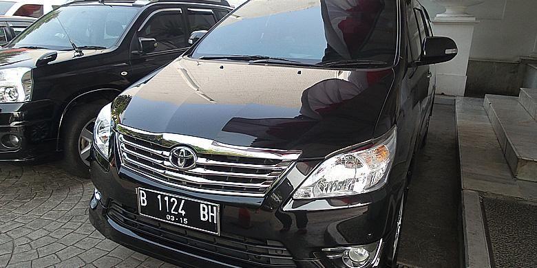 Toyota Kijang Innova yang dipakai oleh Jokowi ke Balaikota