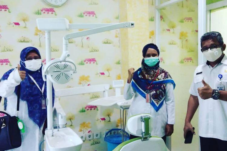 Peresmian ruang bersalin khusus ibu hamil terkonfirmasi Covid-19 di Puskesmas Ciracas, Rabu (18/11/2020).