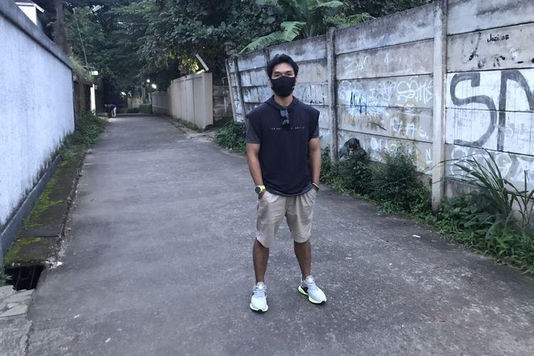 Pemilik akun Tiktok bernama Dani di Gang Buntu di Jalan Parakan, Cinangka, Sawangan, Kota Depok, Jawa Barat yang viral di Tiktok setelah menjadi latar pembuatan konsep misteri jalan buntu.