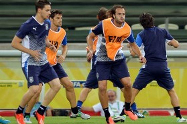 Alberto Gilardini akan menjadi andalan Italia saat melawan Spanyol pada babak semifinal Piala Konfederasi 2013 di Stadion Governador Placido Aderaldo Castelo, Fortaleza, Kamis atau Jumat (28/3/2013) dini hari WIB.