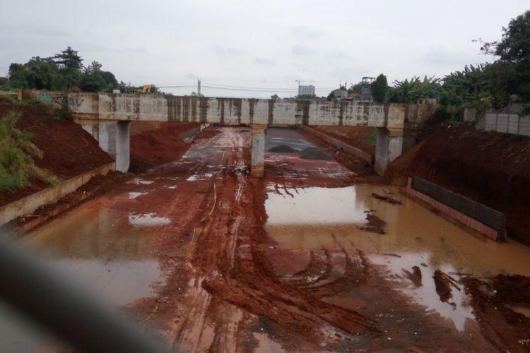 Proyek pembangunan jalan tol Cinere-Jagorawi (Cijago) yang tengah berlangsung di Depok.