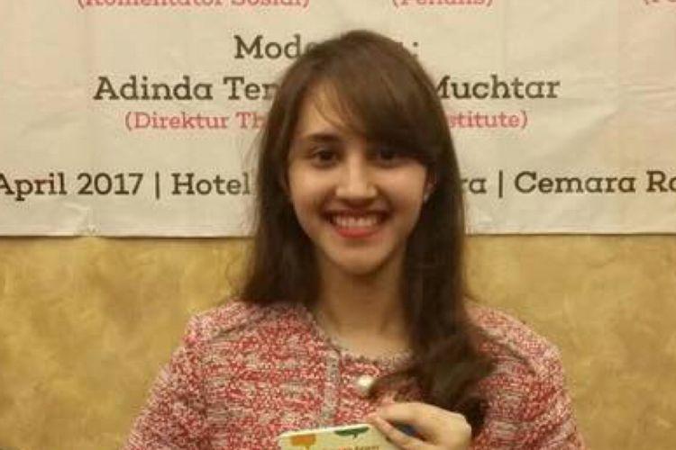 Tsamara Amany penulis Buku Curhat Perempuan karya Tsamara Amany dalam bedah buku tersebut di Jakarta, Senin (17/4/2017).