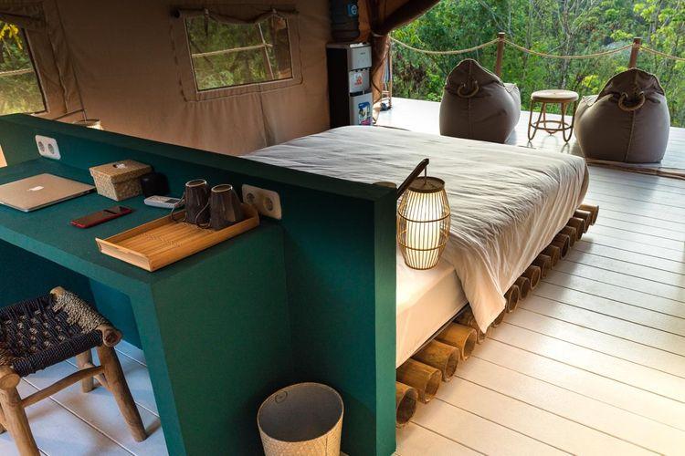 Tampilan kamar di Autentik Nusa Penida, glamping resort baru di Bali.