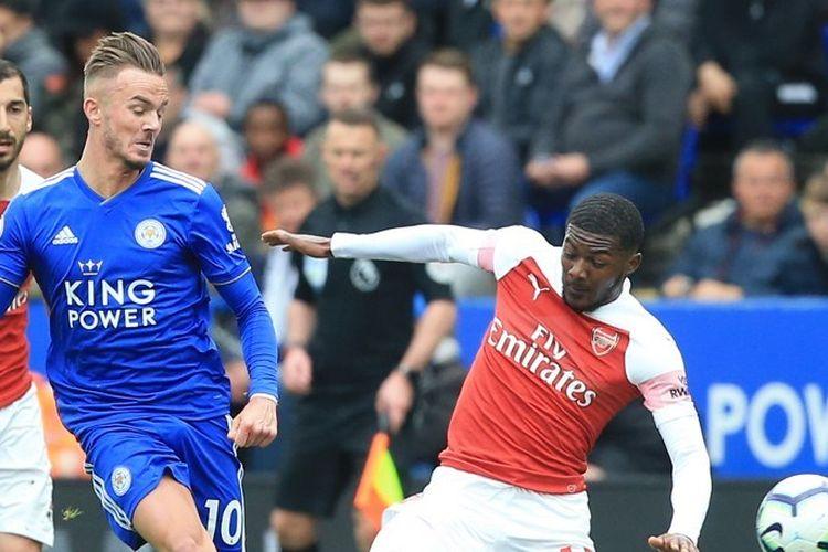Pelanggaran kepada James Maddison membuat Ainsley Maitland-Niles meraih kartu merah pada pertandingan Leicester City vs Arsenal di Stadion King Power dalam lanjutan Liga Inggris, 28 April 2019.