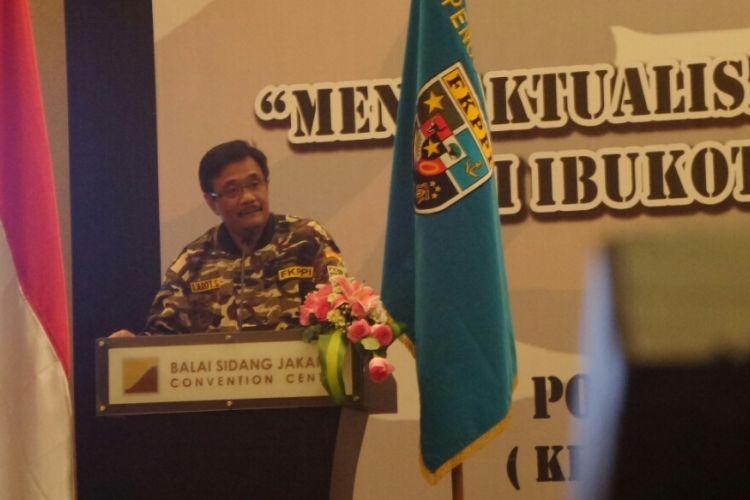Calon gubernur DKI Jakarta Djarot Saiful Hidayat memberi orasi kebangsaan dalam acara Forum Komunikasi Putra Putri Purnawirawan TNI/Polri di JCC, Sabtu (11/3/2017).