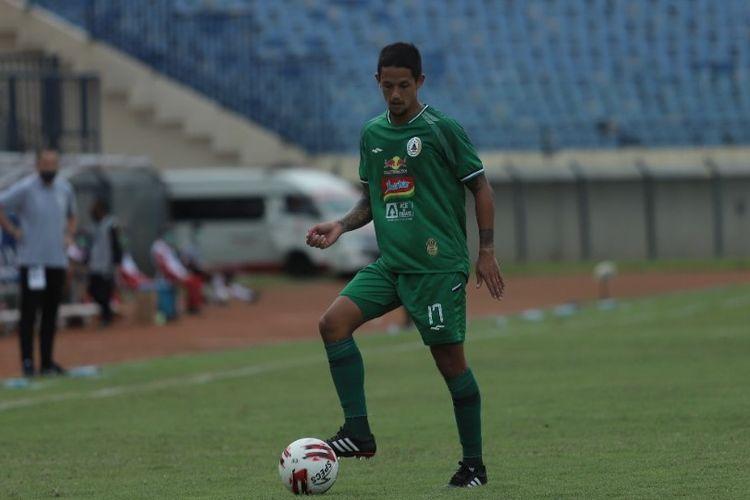 Striker PS Sleman Irfan Bachdim mengaku masih merasa muda dan bugar saat merayakan HUT ke-33 pada 11 Agustus 2021.
