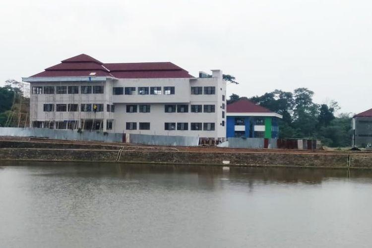 Salah satu gedung yang disiapkan Pemprov Banten untuk isolasi pasien Covid-19 di KP3B, Curug, Kota Serang