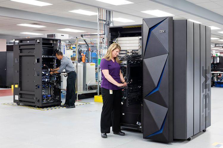 Ilustrasi komputer mainframe