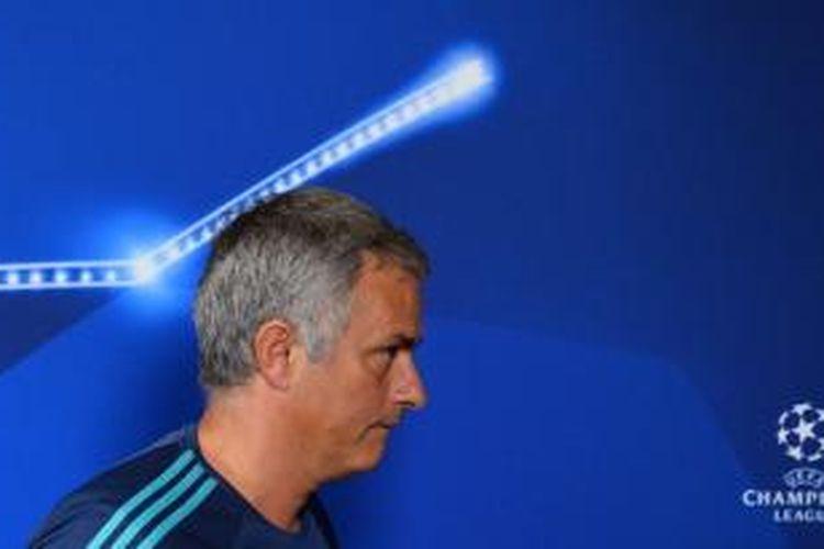 Manajer Chelsea, Jose Mourinho, melakoni konferensi pers lelang pertandingan melawan Dynamo Kyiv pada lanjutan Liga Champions di Stadion Stamford Bridge, Rabu (4/11/2015).
