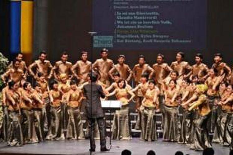 Penampilan PSM Unpad dalam Montreux Choral Festival pada 2012.