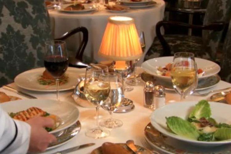 Oceania Riviera dikenal sebagai kapal pesiar dengan predikat Fine Cuisine Cruise. Restaurant Buffet dan Empat restoran fine diningnya mewakili cita rasa berkelas dunia.