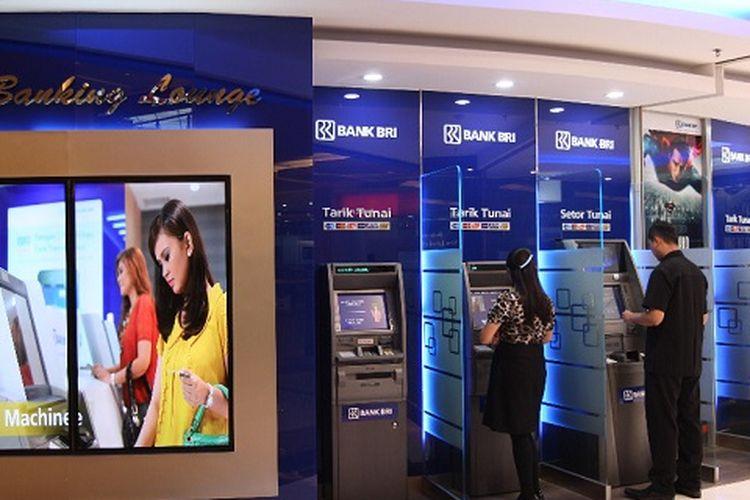 Para nasabah saat menggunakan ATM BRI, IB BRI, BRI IB internet banking BRI