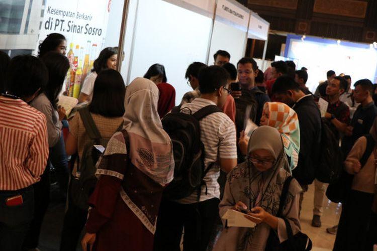 Sekolah Vokasi Universitas Gadjah Mada (UGM) menggelar Jobfair & Career Expo berlangsung selama tiga hari 8-10 Oktober 2019 di Grha Sabha Pramana, Bulaksumur Yogyakarta.
