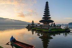 Tokoh Adat Minta Foto 2 Bule yang Lecehkan Tempat Suci di Bali Tak Diviralkan