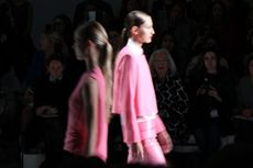 11 Perancang Asia Membuka London Fashion Week 2014