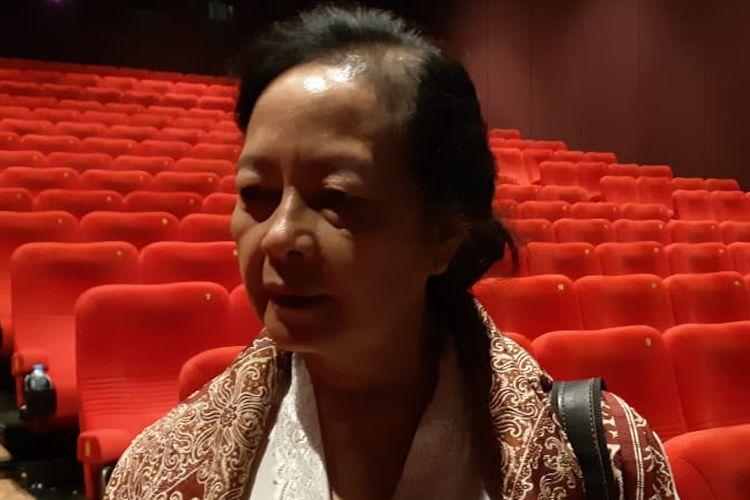Putri sastrawan Pramoedya Ananta Toer, Astuti Ananta Toer saat menghadiri gala premiere film Bumi Manusia di XXI Empire, Yogyakarta, Selasa (13/8/2019) malam.