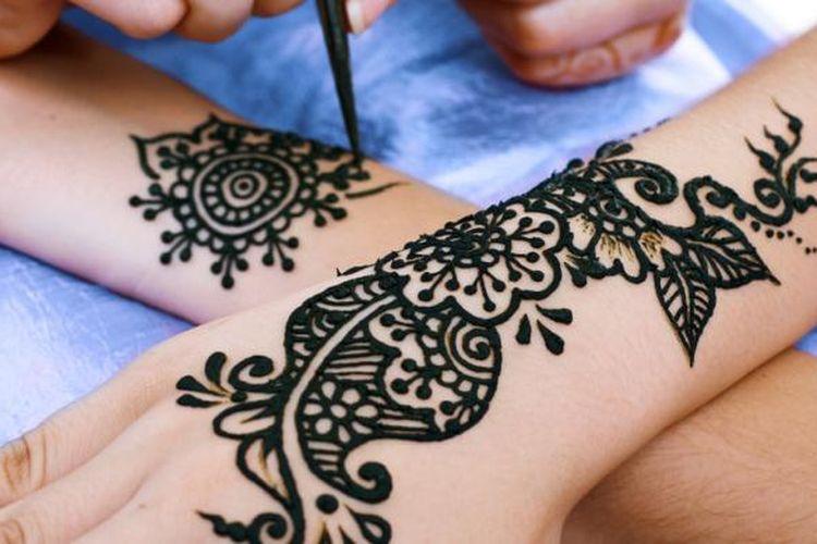 10 Cara Menghilangkan Henna Dengan Cepat Halaman All Kompas Com
