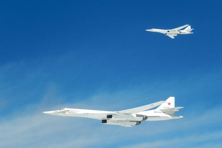 Pesawat pembom strategis milik Rusia, Tupolev Tu-160.