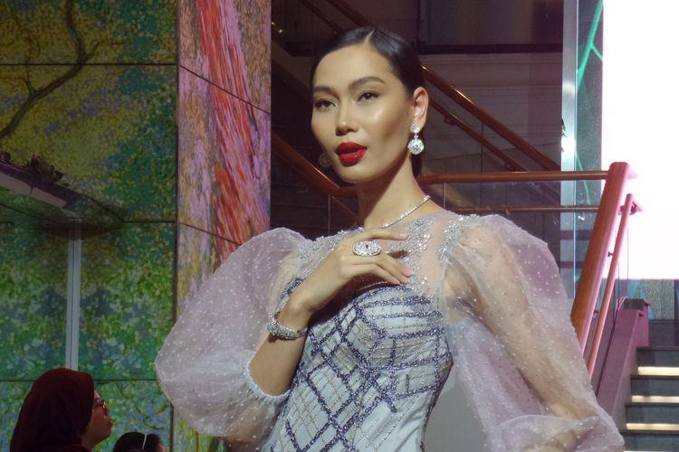 Salah satu koleksi dari kolaborasi Wanda House of Jewels dan Ayu Mirah Signature di Plaza Indonesia,Jakarta Pusat, beberapa waktu lalu.