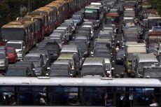 Mobil Murah, Kebijakan yang Menabrak Upaya Pembenahan Jakarta...