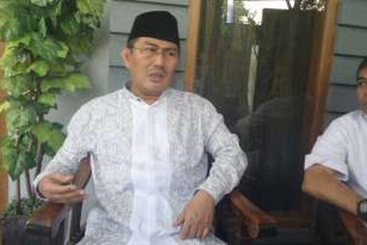 Ketua Umum Ikatan Cendekiawan Muslim Indonesia Jimly Asshiddiqie menggelar acara silahturahmi dalam menyambut hari Raya Idul Fitri 1 Syawal 1437 H, di kediaman pribadinya, Komplek Pondok Labu Indah, Kamis (7/7/2016).