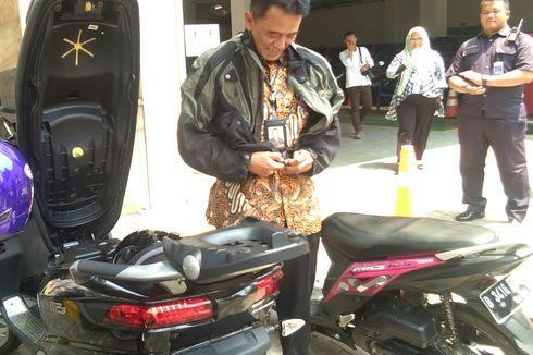 Chandra Hamzah Datang ke Kementerian BUMN Pakai Skuter Matic, Berapa Harganya?
