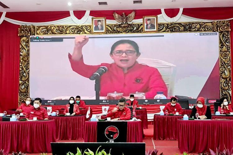 Ketua DPP PDI-P Puan Maharani membacakan rekomendasi paslon Pilkada 2020.