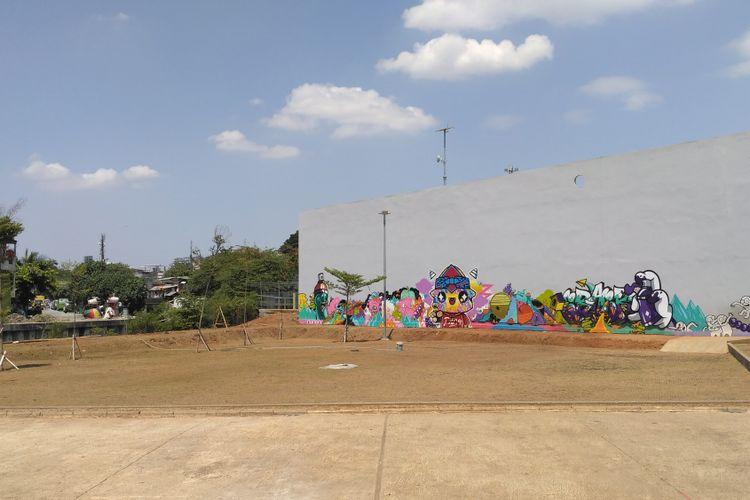 Area di RTH dan RPTRA Kalijodo yang rencananya dibangun batu Tembok Berlin, Senin (28/8/2017).