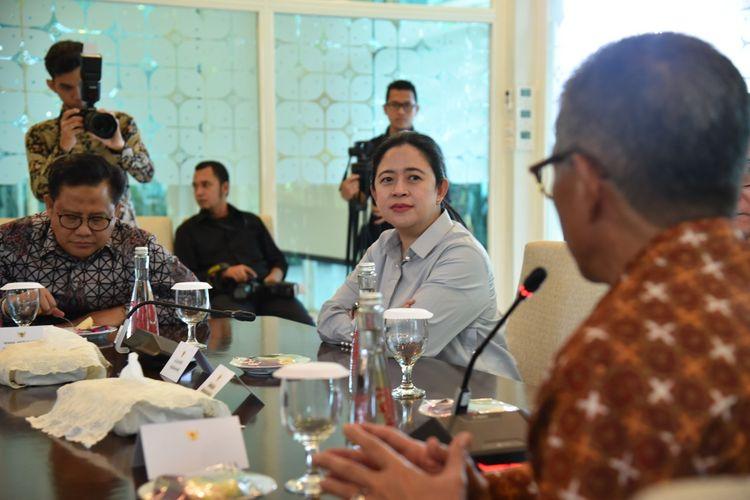 Ketua DPR Puan Maharani kunjngan ke Kantin Diplomasi Kementerian Luar Negeri, Selasa (21/1/2020).