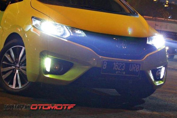 Intensitas cahaya lampu kendaraan
