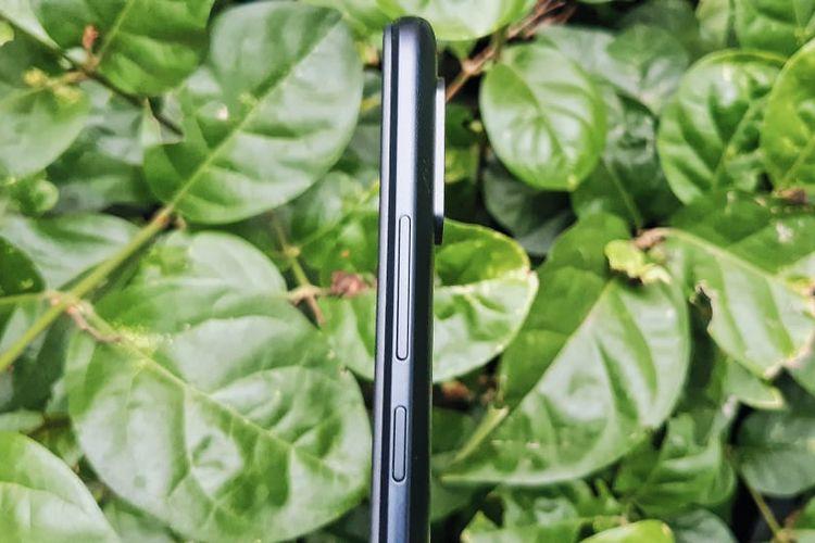 Sisi kanan bodi ponsel Redmi 9A