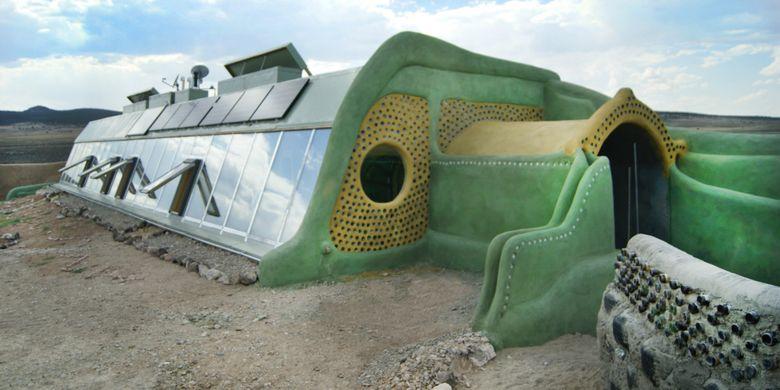 rumah ramah lingkungan berbahan dasar sampah