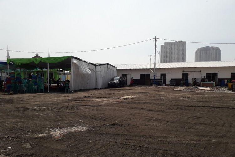 Lahan di Kampung Akuarium, Jakarta Utara, yang sebelumnya menjadi tempat berdirinya tenda liar tampak sudah bersih, Rabu (30/5/2018).