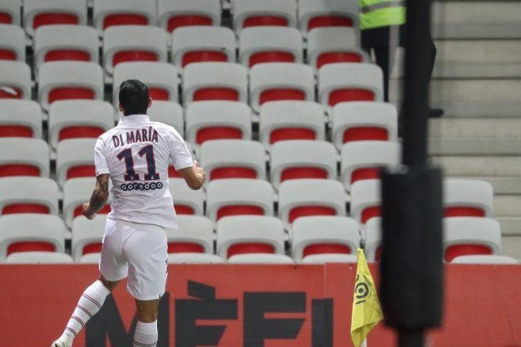 Pemain Paris Saint-Germain, Angel Di Maria, merayakan golnya pada pertandingan Nice vs PSG dalam lanjutan Liga Perancis di Stadion Allianz Rivera, 18 Oktober 2019.