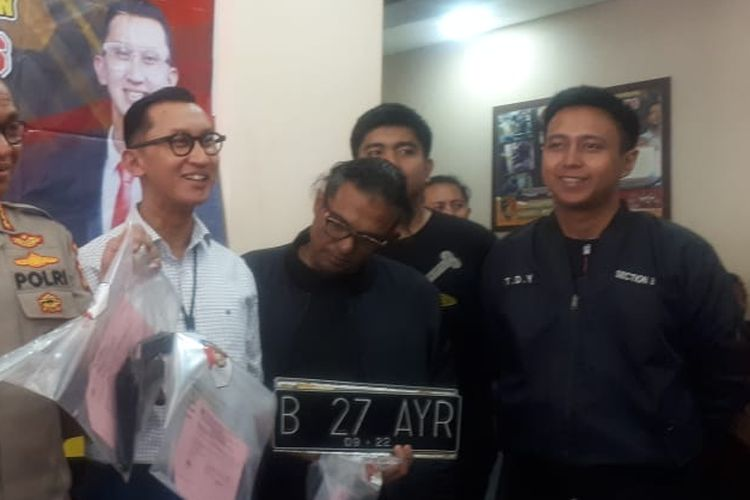 Pengemudi lamborghini AM yang menodongkan senjata api terhadap dua pelajar di Kemang. Foto diambil di Polres Jakarta Selatan, Selasa (24/12/2019).