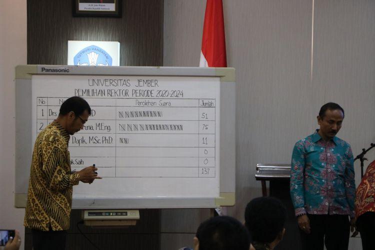 Proses pemilihan rektor Universitas Jember yang digelar di aula tiga rektorat Unej