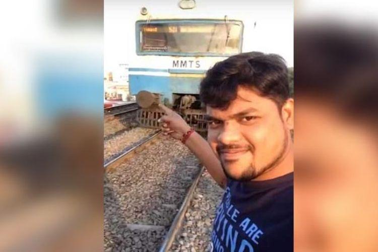 Detik-detik saat Shiva tertabrak kereta