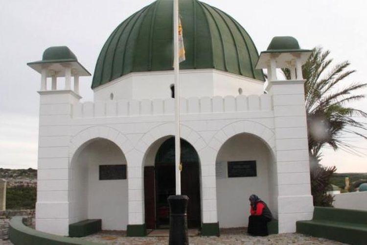 Makam Syeikh Yusuf di Kampung Macassar, Cape Town, Afrika Selatan, sebagai salah satu bukti kedekatan Indonesia dengan Afrika Selatan.