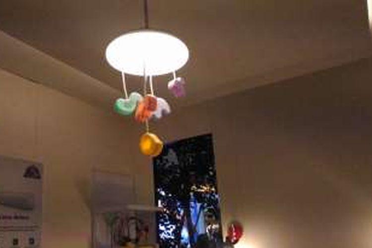 Tampilan kamar tidur anak di Philips Lighting Week dengan lampu LED yang memberikan tiga nuansa berbeda.