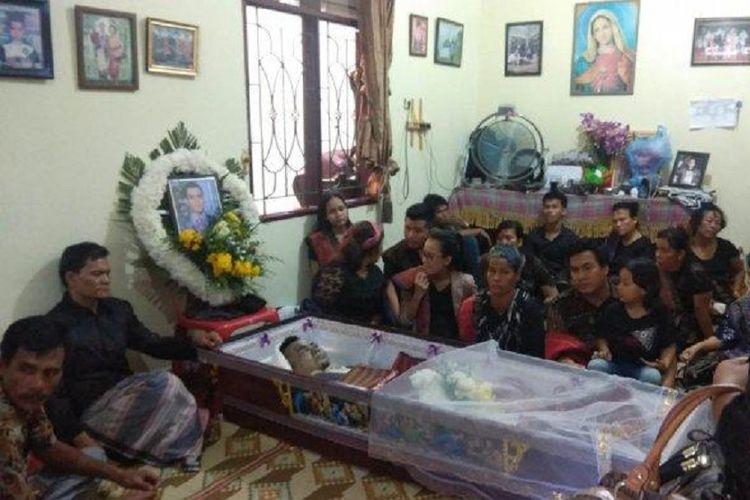 Rumah duka JPS dipadati para pelayat sebelum proses pemakaman, Kamis (21/2/2019).