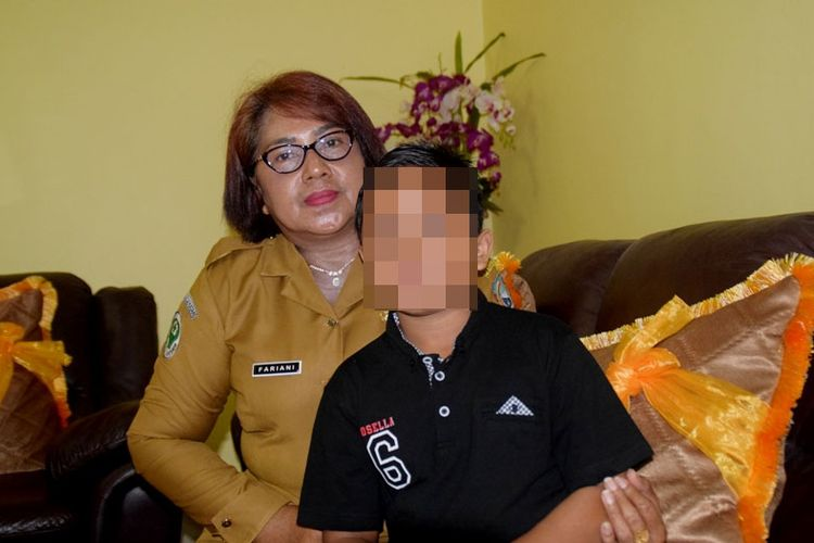 Karena harta warisan, seorang ibu di Kota Baubau, Sulawesi Tenggara, Fariani (51), digugat oleh tiga orang anak kandungnya sendiri. Ketiga anaknya menuntut harta warisan berupa beberapa bidang hektar tanah sekitar Rp 15 miliar dan rumah milik Fariani dan almarhum suaminya, Ipda Purnawirawan Matta.