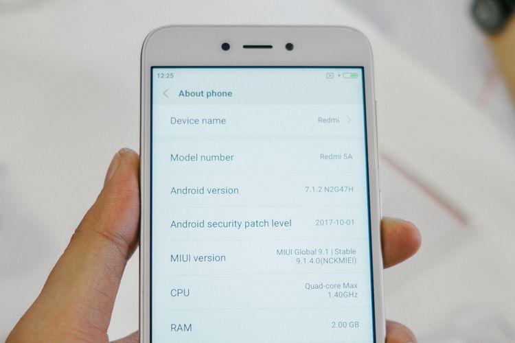 Xiaomi Redmi 5A menjalankan sistem operasi Android 7.1.2 Nougat yang dilapis antarmuka MIUI 9 khas Xiaomi. Belum ada informasi apakah ponsel ini akan kebagian update Android 8 Oreo.