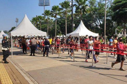 Kawasan GBK Ramai Minggu Pagi, Pengunjung Antre untuk Olahraga