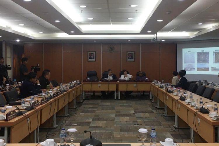 Rapat Komisi D DPRD DKI Jakarta dengan Pemprov DKI Jakarta terkait revitalisasi kawasan Monas di Gedung DPRD DKI Jakarta, Rabu (22/1/2020).