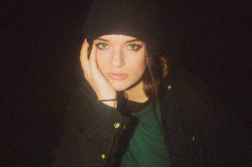 Lirik dan Chord Lagu Same House - Sara Kays