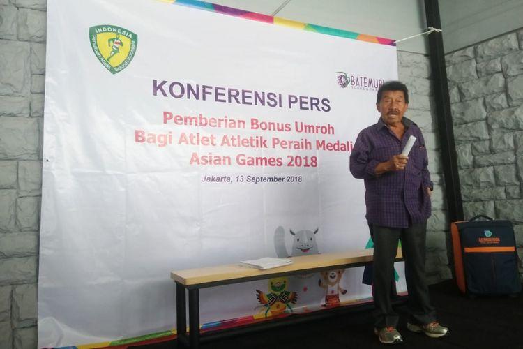 Ketua Umum PB PASI, Bob Hasan saat acara Konferensi Pers Pemberian Bonus Umroh Bagi Atlet Atletik Peraih Medali Asian Games 2018 di Pelatnas PB PASI, Jakarta pada Kamis (13/9/2018).