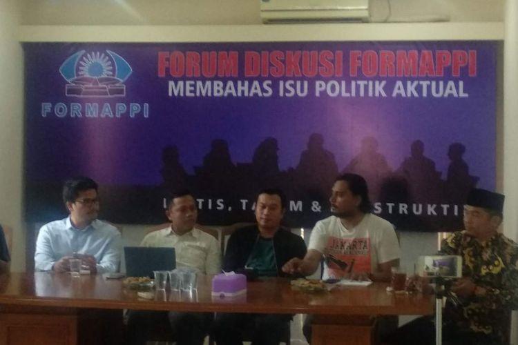 Diskusi Kala Anies Berlayar di Pulau Reklamasi di Kantor FORMAPPI, Matraman, Jakarta Timur, Minggu (23/6/2019).