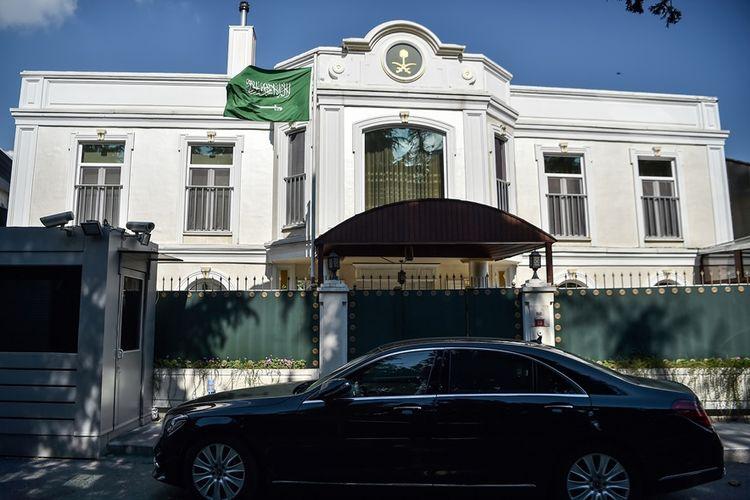 Tampak luar gedung konsulat Arab Saudi di Istanbul, Turki, tempat di mana jurnalis Jamal Khashoggi terakhir terlihat.