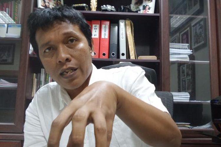 Aktivis mahasiswa di era reformasi yang kini menjadi politisi PDI-P, Adian Yunus Yusak Napitupulu di Kompleks Parlemen, Senayan, Jakarta, Rabu (18/5/2016)