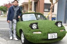 Cuma Ada Jepang, Tanam Pohon di Bodi Mobil